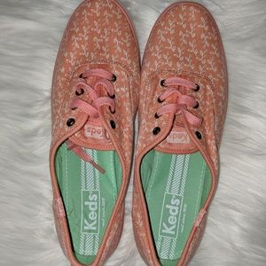 Keds women's size 8 Coral and White leaf/vine